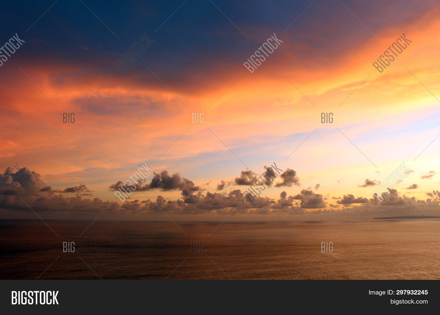 abstract,air,atmosphere,background,beach,blue,bright,clear,climate,clouds,color,day,dramatic,fantastic,freedom,golden,heavens,high,horizon,landscape,light,natural,nature,ocean,orange,outdoors,overcast,scenic,sea,sky,sky-background,sky-clouds,sky-landscape,sky-nature,sky-scene,sky-view,space,summer,sundown,sunlight,sunny,sunrise,sunset,sunshine,vast,vast-sky,view,weather,white,yellow