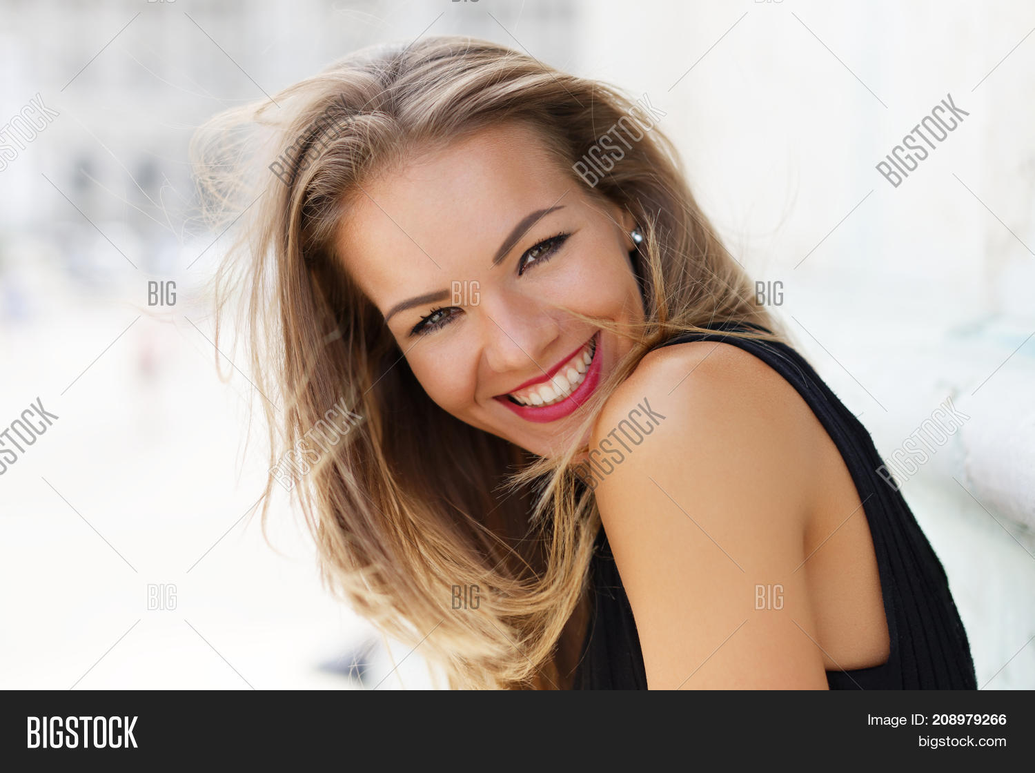 attractive,beautiful,beauty,bright,brunette,carefree,caucasian,cheerful,closeup,enjoy,face,female,fun,girl,hair,happiness,happy,holiday,joy,leisure,lifestyle,model,one,outdoors,people,person,portrait,positive,pretty,sexy,smile,smiling,style,summer,teeth,toothy,vacation,white,woman,young