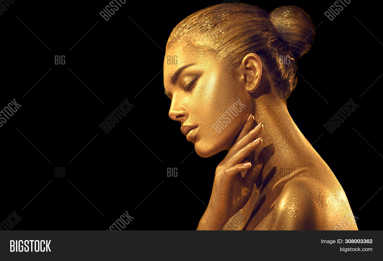 accessories,art,artist,background,beautiful,beauty,black,body,body art,brilliance,coating,covered,eyes,face,fashion,female,girl,glamorous,glamour,glance,glowing,gold,golden,hand,head,holiday,isolated,jewelry,jewels,lips,luster,luxury,make,make-up,makeup,metallic,model,paint,people,portrait,powder,profile,shimmer,shine,shiny,skin,statue,woman,yellow,young