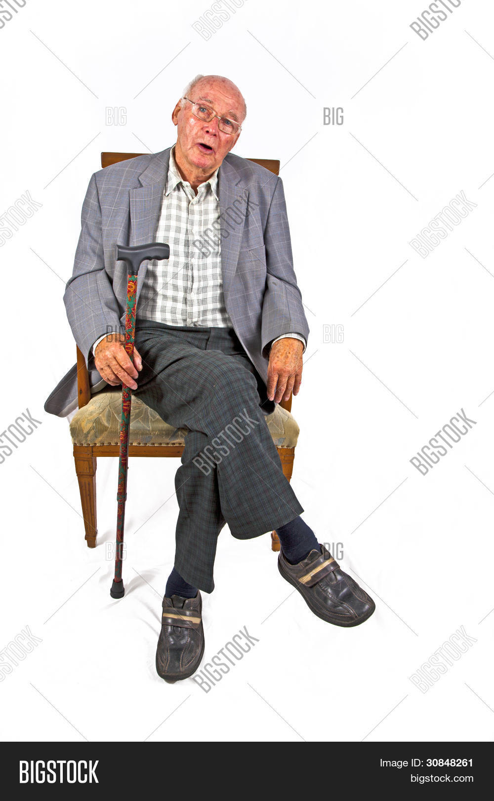 adult,aged,aging,alone,care,casual,caucasian,chair,elderly,eyes,face,fun,glasses,grey,happy,health,healthcare,help,home,image,indoor,islolated,isolated,jacket,lifestyle,living,male,man,old,older,old man,one,pensioner,people,person,portrait,relax,relaxed,retirement,room,senior,serious,single,sitting,smart,smiling,space,stick,studio,walking,wisdom,year