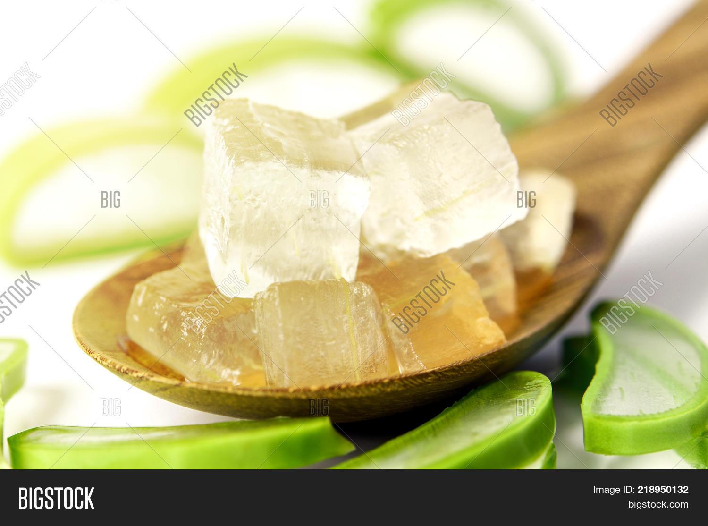 acne,aloe,alternative,beauty,botanical,botany,cactus,care,cosmetic,cut,dermatology,fresh,freshness,growth,hair,health,healthcare,healthy,herb,herbal,ingredient,leaf,loss,medical,medicine,moisturize,moisturizer,moisturizing,nature,pharmacy,pure,purity,recipe,skin,skincare,slice,sliced,spa,succulent,sunburn,sunscreen,thorn,tonner,treatment,vera,vitamins,water,wet