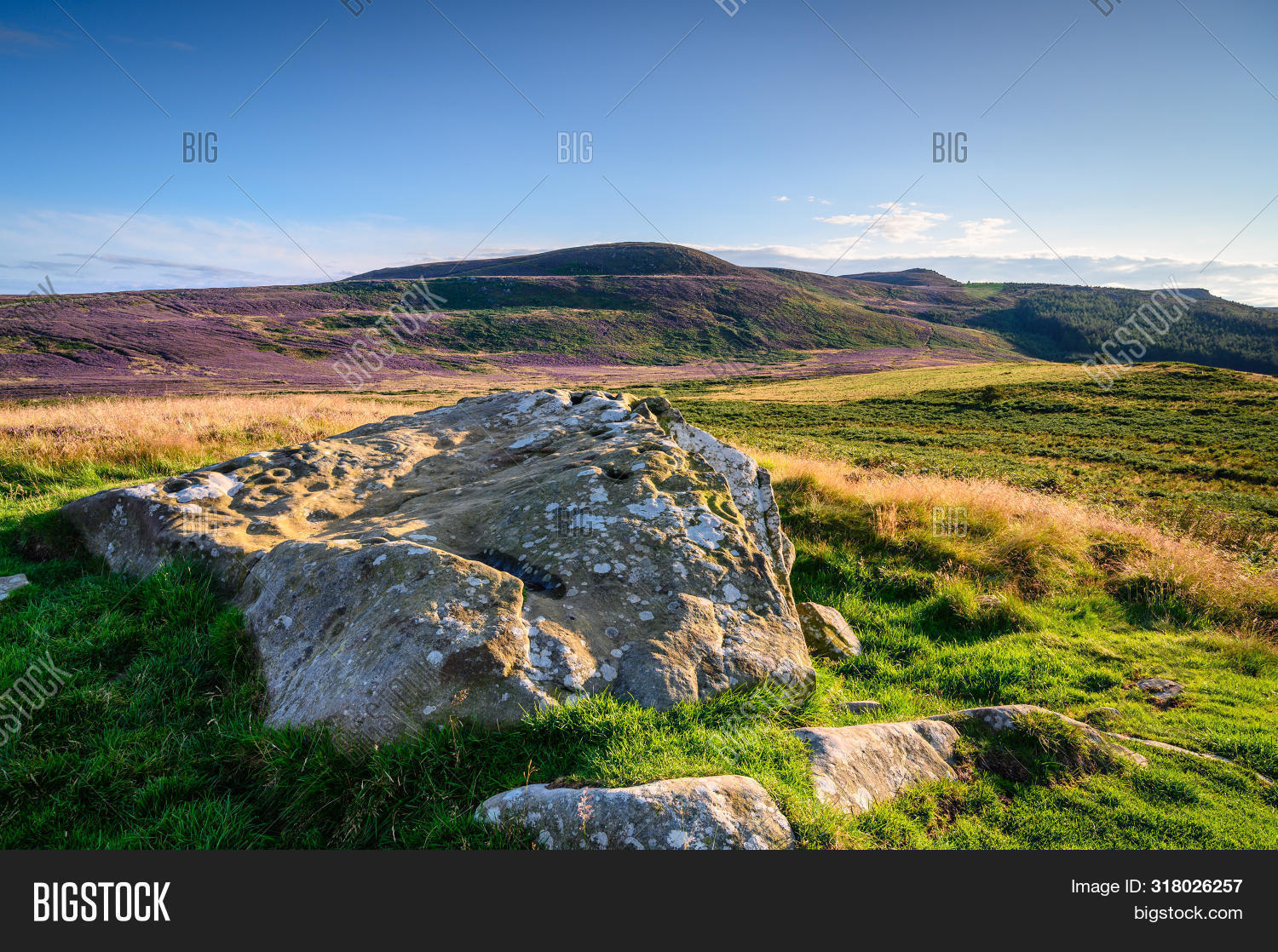 Lordenshaws Prehistoric Rock Mirrors Simonside Hills Ridge, The Hillfort Is Located Near Rothbury In