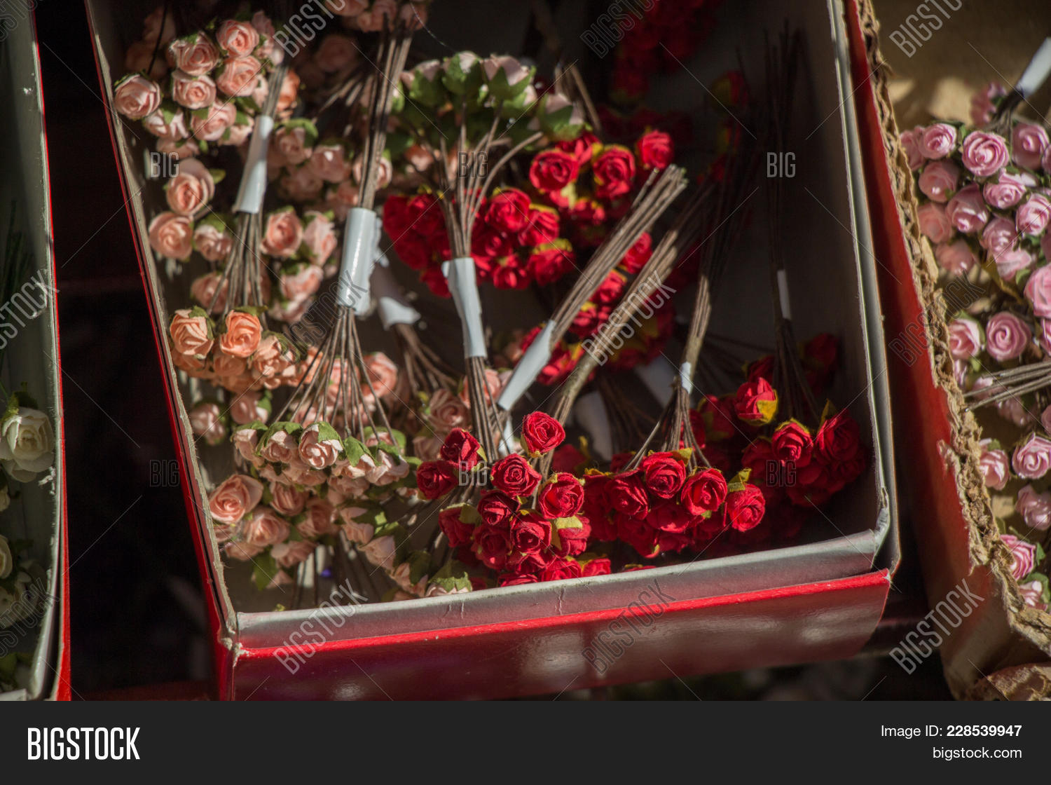 Bouquet,abstract,arrangement,artificial,background,beautiful,bloom,blooming,blossom,botanical,bud,bunch,celebration,colorful,creative,decorative,design,fake,flora,floral,flower,gardening,gift,leaf,love,object,ornament,pattern,petal,plant,plastic,pot,romantic,rose,sad,spring,summer,synthetic,texture,unreal,vase,wallpaper,wedding,wreath
