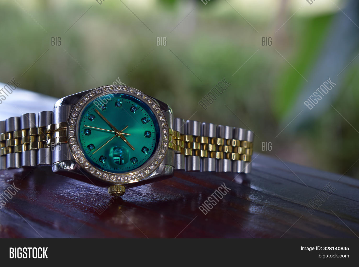 Luxury,There,a,and,antiques,are,been,collected,expensive,for,has,long,many,rare,that,time.,watch,watches Is