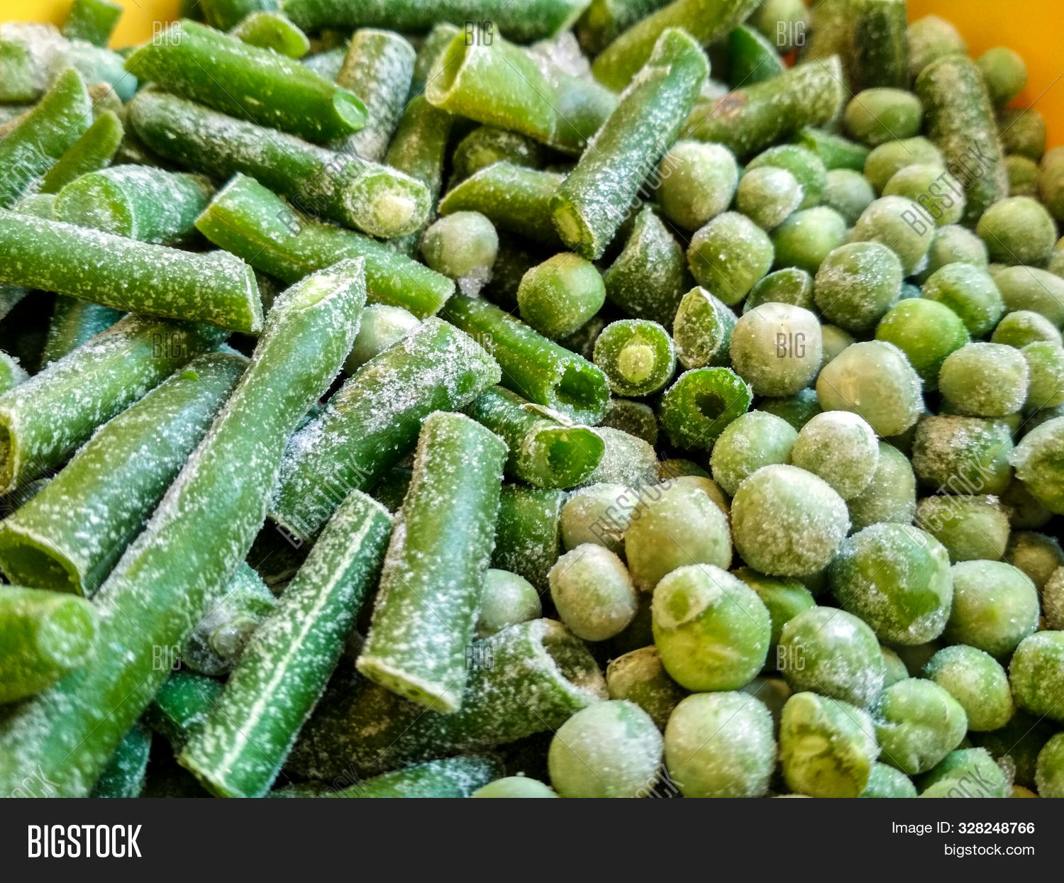 agriculture,background,bean,close,closeup,cold,cooking,cool,cut,dried,eating,food,fresh,freshness,frost,frosty,frozen,green,harvest,health,healthy,ice,iced,ingredient,isolated,legume,light,macro,market,mix,natural,nature,nutrition,organic,pea,plant,raw,sliced,stack,supermarket,tasty,vegan,vegetable,vegetarian,vitamin,water