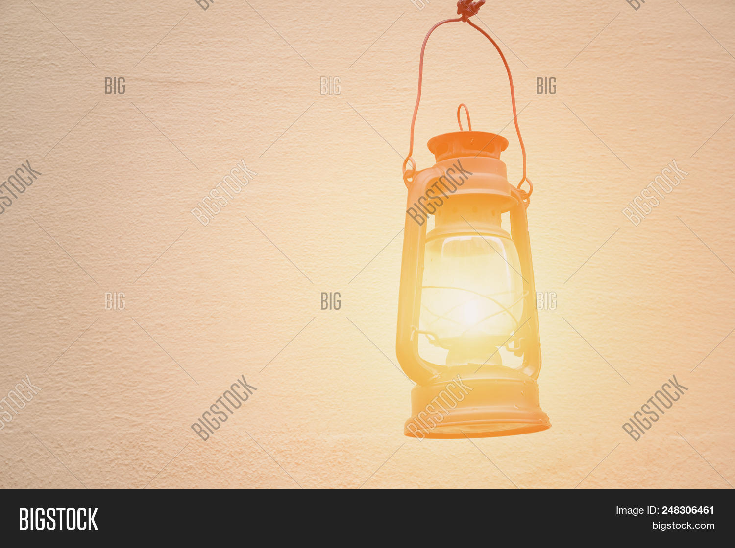 antern,antique,background,decoration,design,dusty,equipment,flame,gas,glass,glow,handle,kerosene,lamp,lit,metal,object,oil,old,retro,rustic,vintage,wall,white