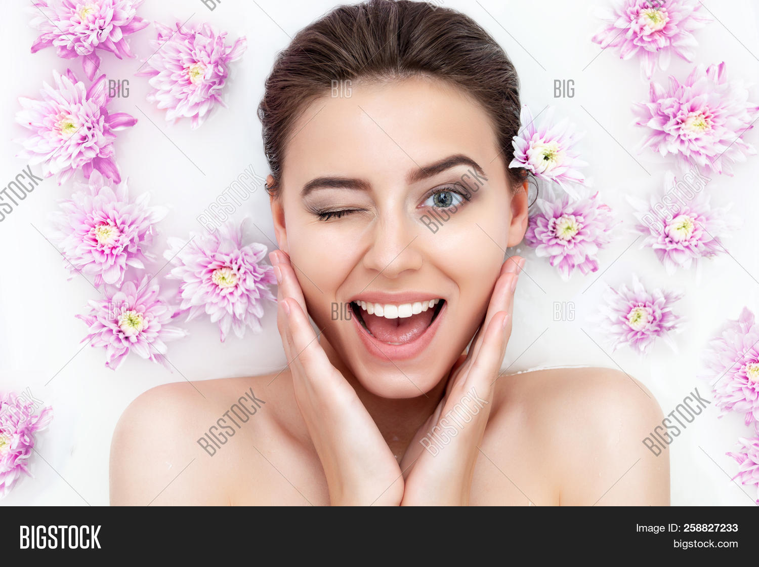 attractive,ayurveda,bath,beauty,body,bright,care,clean,cosmetic,cosmetology,face,facial,fashion,female,floral,flower,fresh,girl,green,hair,head,health,healthy,leafs,lifestyle,makeup,milk,natural,nature,peeling,pink,portrait,pretty,scrub,sensuality,shampoo,skin,smile,soap,spa,spring,tenderness,therapy,treatment,water,wellness,woman,women,young