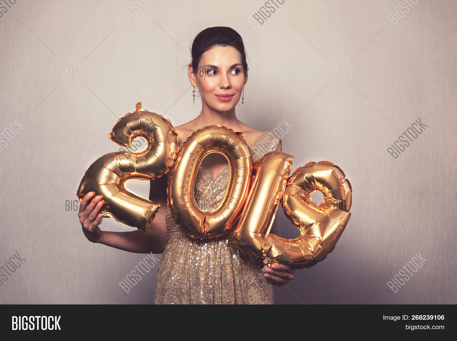 adult,attractive,beautiful,beauty,celebrate,celebrating,celebration,cheerful,christmas,confetti,dress,elegant,emotion,enjoy,eve,event,fashion,fashionable,female,festive,fun,girl,glamour,glitter,gold,golden,happiness,happy,holding,holiday,joyful,lifestyle,luxury,new,one,party,people,person,portrait,present,pretty,sexy,smile,smiling,style,stylish,woman,women,year,young