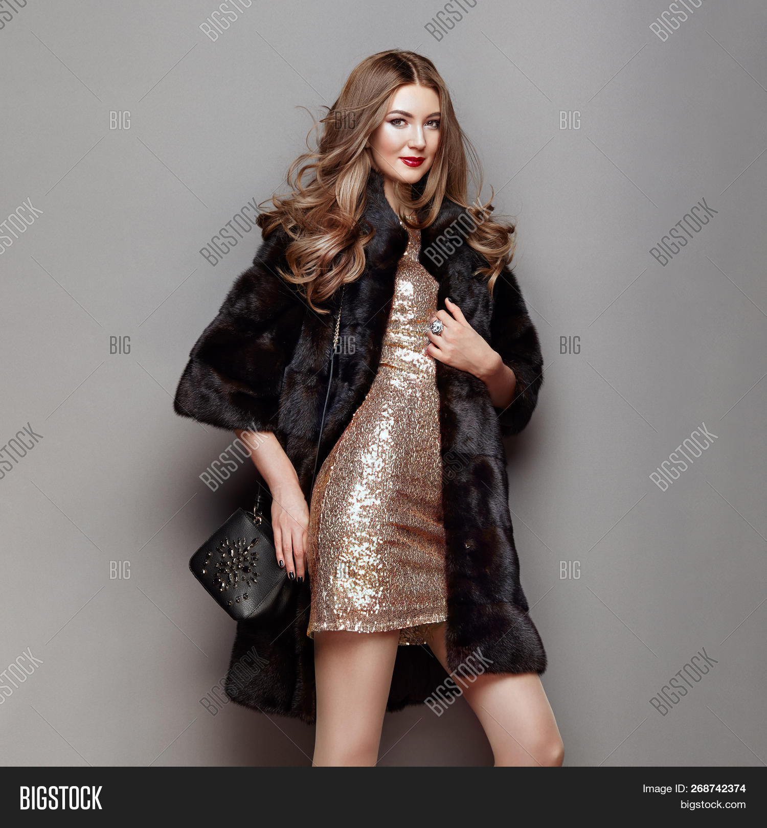 accessories,background,beautiful,beauty,blonde,clothing,color,curls,dress,eco-fur,elegance,elegant,fashion,fashionable,female,figure,fur,furcoat,girl,glamour,grace,gray,hair,hairstyle,happy,lady,lifestyle,luxurious,makeup,model,outfit,person,portrait,posing,redhead,sale,shopping,silver,smile,spring,studio,stylish,urban,vogue,waistcoat,winter,woman,womanly,young
