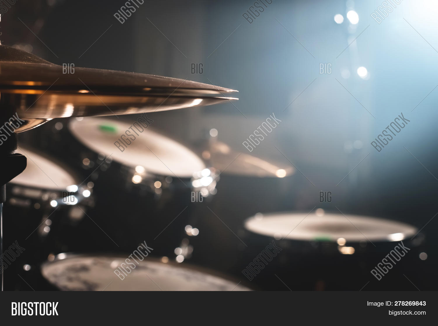 atmospheric,background,band,bang,barrels,beat,blue,chromium,circle,closeup,concert,contrast,copper,cymbal,dark,detail,drum,drummer,equipment,focus,golden,hobby,indoors,instrument,jazz,kit,leisure,light,metal,metallic,modern,music,musical,nobody,object,orange,percussion,plate,popular,professional,rays,rhythm,rock,set,smoke,soft,sound,stage