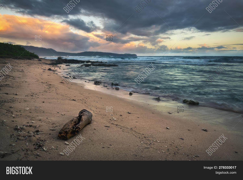 alone,background,beach,beautiful,beauty,breathtaking,clouds,dawn,dusk,ecology,environment,evening,fresh,green,haze,hot,idyllic,landmark,landscape,light,loneliness,lonely,natural,nature,nobody,ocean,orange,outdoor,owl-light,palm,reflection,rural,scenery,shades,shore,silhouettes,sky,solitary,solitude,summer,sunlight,sunrise,sunset,tourism,travel,tropical,tropics,twilight,warm