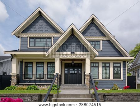 A Perfect Neighbourgood. Luxury Residential House With Front Yard Over Land Terraces. Big Family Hou