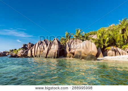 Beautifully shaped granite boulders and a perfect white sand at the famous Anse Source d'Argent beach, La Digue island, Seychelles stock photo