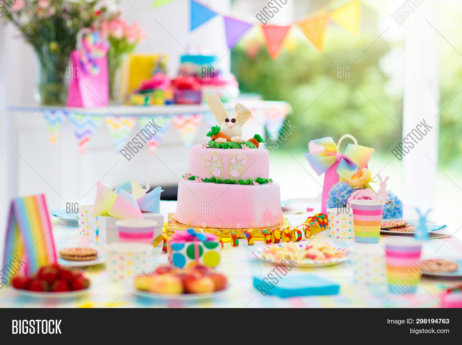 airplane,anniversary,baby,background,balloons,banner,birthday,boy,cake,candy,cars,celebrate,celebration,child,childhood,color,colorful,confetti,cupcake,decor,decoration,dessert,dish,event,family,festive,flag,food,garden,gift,hat,holiday,home,interior,kids,nobody,party,pastry,preschooler,present,rainbow,surprise,sweet,table,theme,toddler,transport,white,window,year