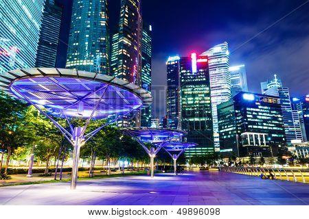 Skyline de singapour dans la nuit