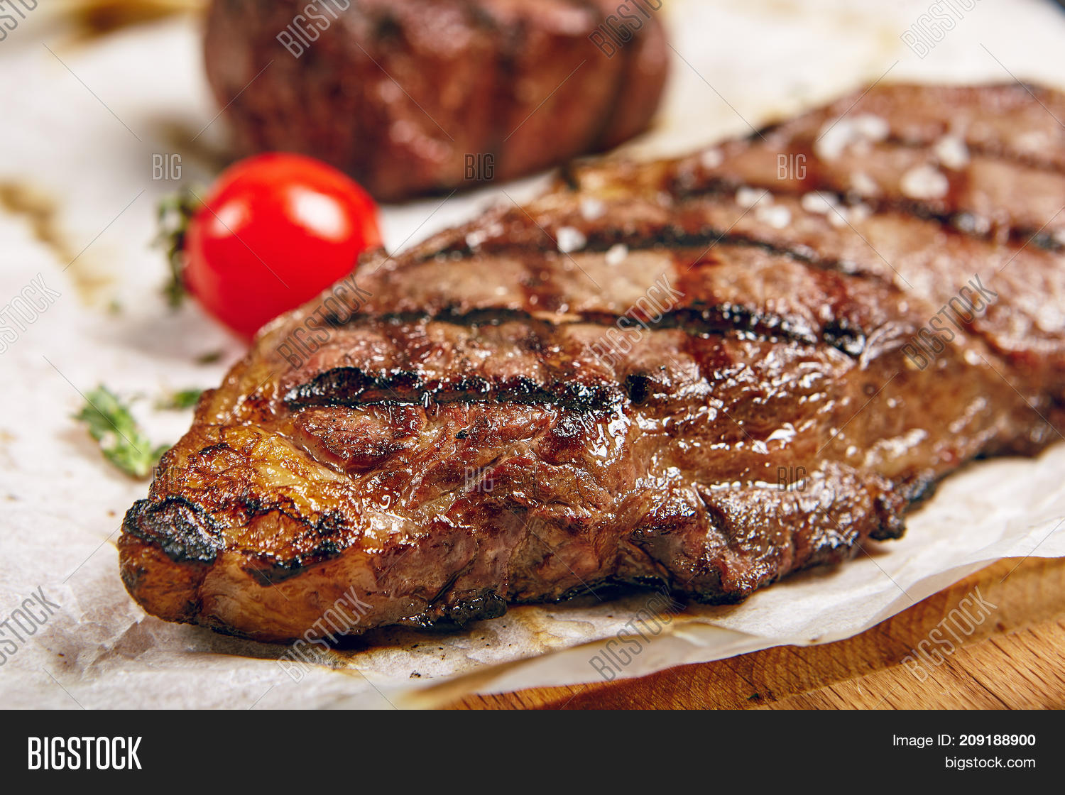 barbecue,bbq,beef,best,black angus,board,braai,cooked,delicious,dinner,dish,eating,filet,fillet,food,gastronomy,grill,grilled,ingredients,kansas city,light,lunch,meal,meat,menu,new york,new york stake,new york strip steak,nutrition,pepper,photo,pic,plate,prime,rare,restaurant,rib eye,roast,seasoning,sirloin,steak,steak house,steakhouse,strip,table,taste,tasty,tender,tenderloin,tomato