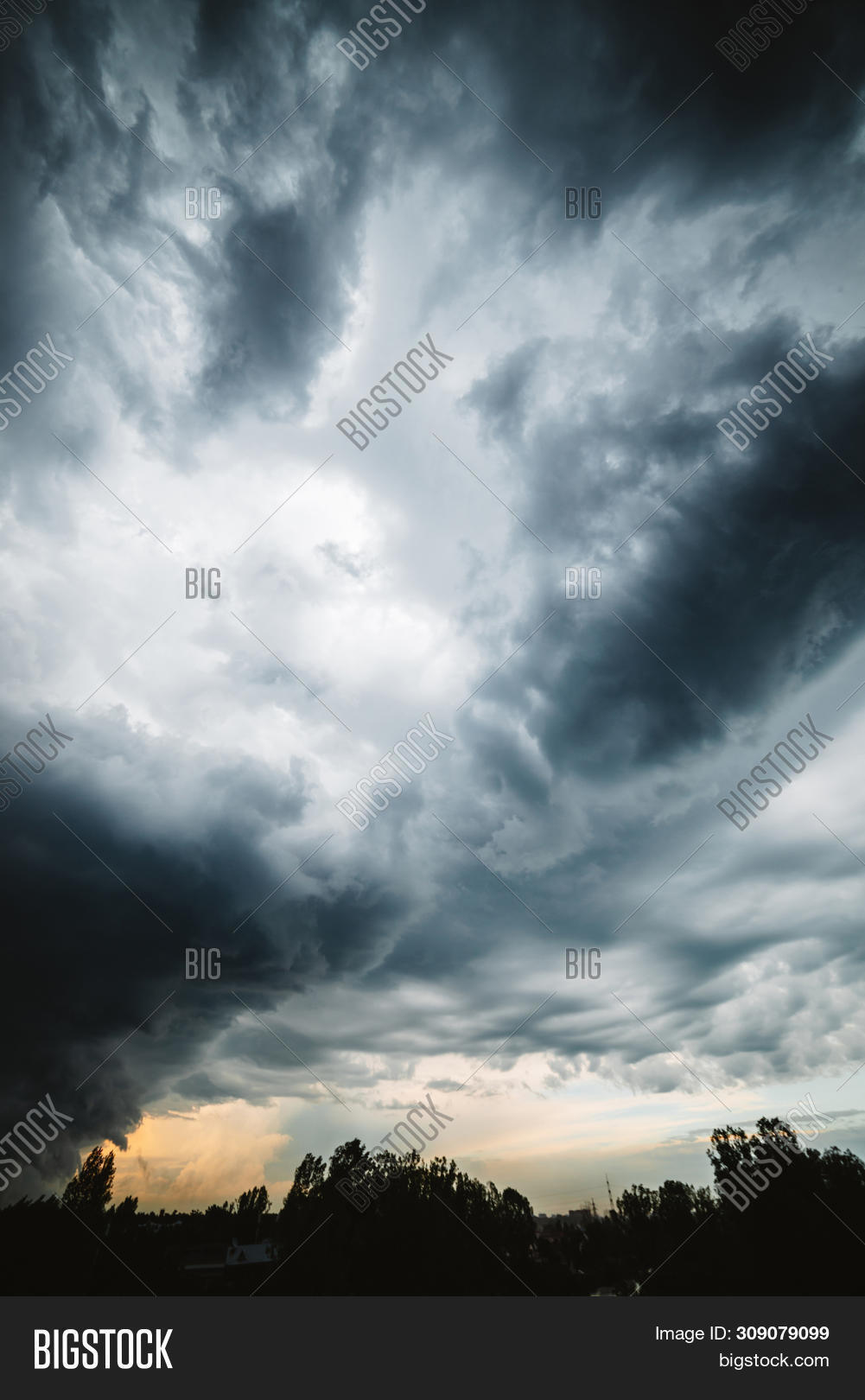 atmosphere,backdrop,background,bad,beautiful,cirrus,climate,cloudiness,clouds,cloudscape,cloudy,cumulonimbus,danger,darkness,dawn,disaster,dramatic,electric,environment,gray,heaven,hurricane,impressive,landscape,layered,majestic,meteorology,moody,nature,ominous,overcast,overcloud,pattern,scenery,scenic,sky,snorter,storm,stormy,stratus,sunrise,sunset,texture,thunder,thunderclouds,thunderstorm,weather,wind,windstorm