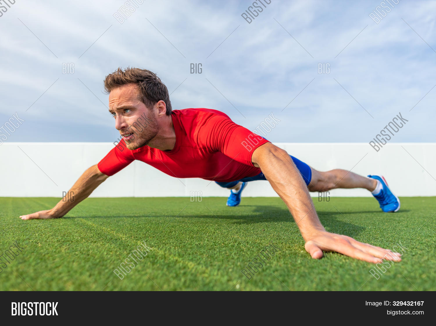 active,advanced,arms,biceps,body,bodyweight,calisthenic,caucasian,chest,core,demonstration,exercise,fit,fitness,floor,grass,grip,gym,healthy,home,lifestyle,male,man,men,muscles,outdoor,outdoors,outside,park,people,person,plank,planking,plyometrics,push,push-ups,pushup,pushups,shoulder,shoulders,sport,strength,summer,training,up,ups,variation,wide,working out,workout