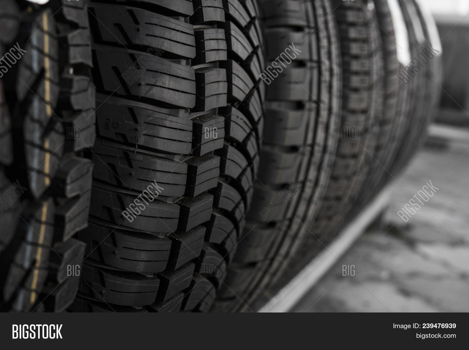 abstract,align,alignment,auto,automobile,background,black,car,change,circle,clean,closeup,construction,control,dark,design,detail,equipment,grip,handling,heap,horizontal,macro,many,new,nobody,object,pattern,product,protector,rain,roll,round,rubber,safety,stability,stack,store,strip,summer,texture,tire,transport,transportation,travel,tread,tyre,vehicle,wheel,winter