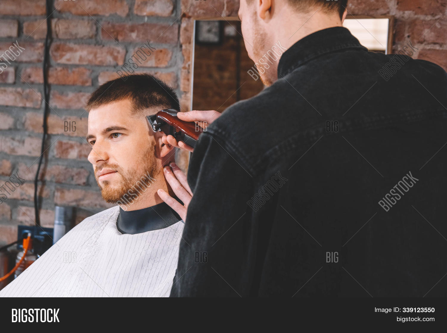 adult,barber,barbershop,beard,beauty,bristle,business,care,caucasian,client,comb,customer,cut,cutting,electric,elegance,grooming,hair,haircut,hairdresser,hairstyle,hairstylist,hand,handsome,head,hold,lifestyle,machine,male,man,masculinity,men,modern,occupation,person,professional,razor,real,salon,service,shop,side,skill,style,tool,trimmer,trimming,two,work,young