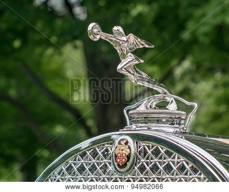 GROSSE POINTE SHORES MI/USA - JUNE 21 2015: A 1930 Packard Phaeton