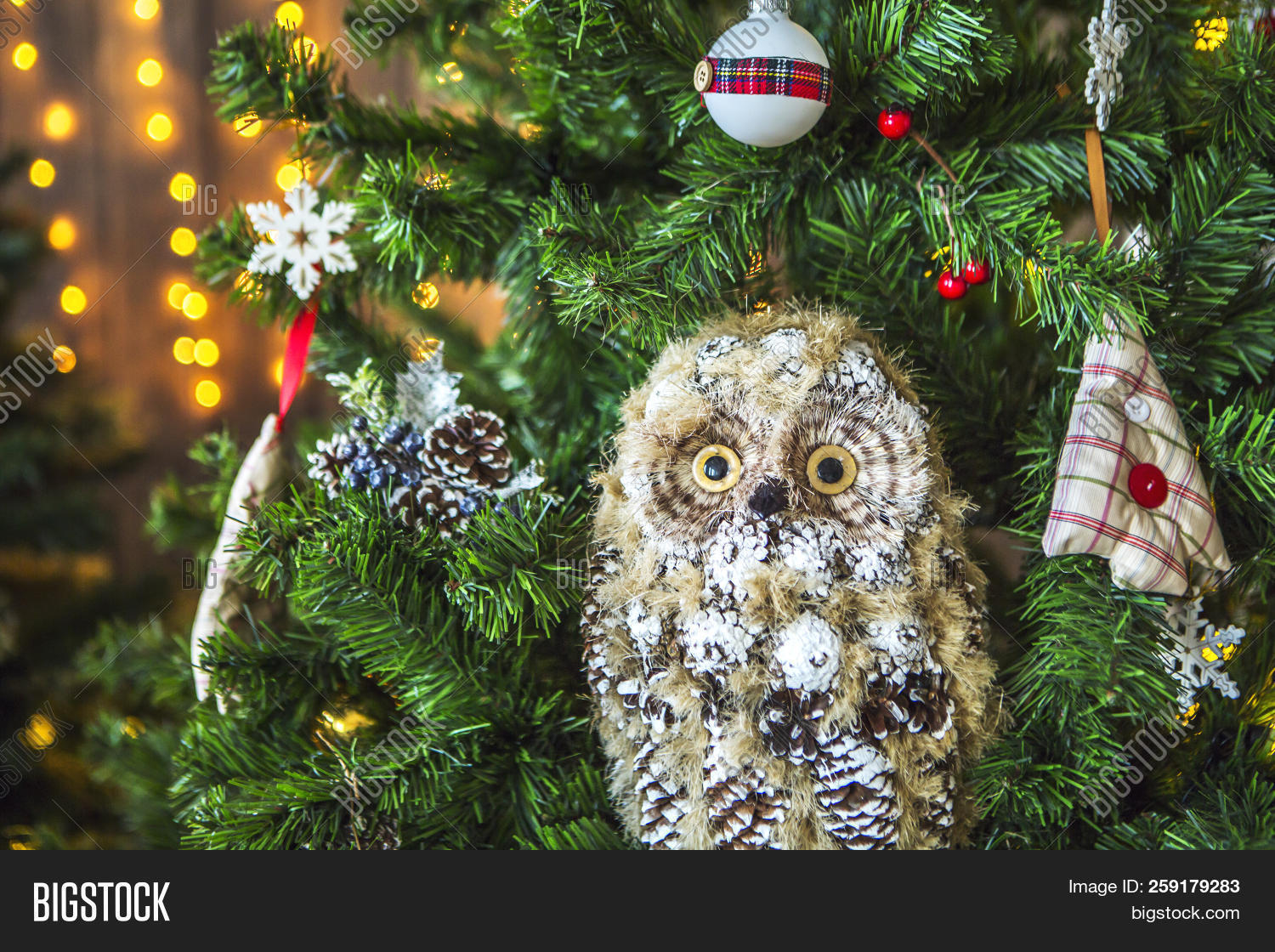 related premium stock photos - Christmas Tree Decorated With Owls
