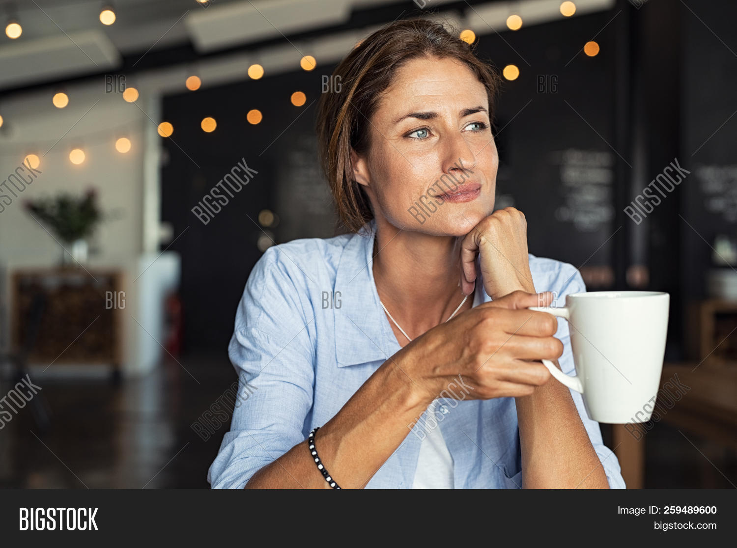 40s,aspiration,cafe,cafeteria,casual,coffee,coffee shop,confident,contemplating,contemplative,dreaming,drink,drinking tea,hand on chin,happy,hispanic,holding,idea,imagination,indoor,indoors,latin,latin girl,leisure,lifestyle,looking away,mature,matured,mid adult woman,mug,one,pensive,people,positive,refreshment,relax,relaxation,restaurant,serene,sitting,smiling,tea,think,thinking woman,thoughtful,waiting,woman