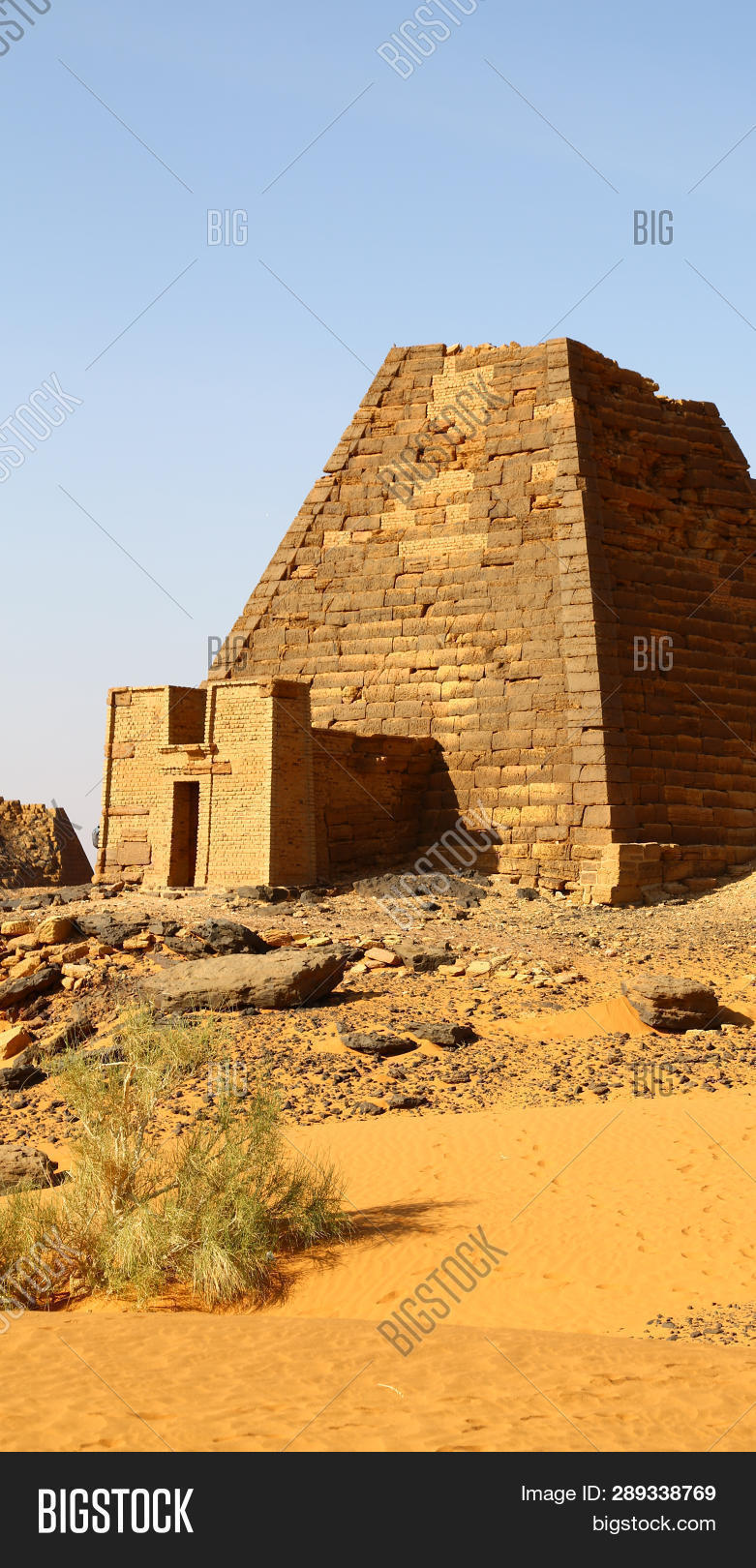 adventure,africa,ancient,antique,arid,black,boulders,brick,building,civilization,climate,culture,desert,dune,egypt,egyptians,explorers,famous,grave,heritage,history,karima,landscape,limestone,middle,mountain,mystery,napata,nile,nobody,north,nubia,nuri,old,pharaoh,place,pyramid,ruin,sahara,sand,site,sudan,temple,tomb,travel,unesco,walking,yellow
